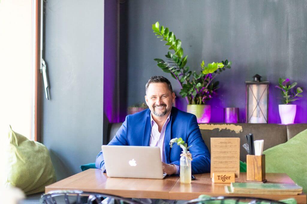 Rene Büttner Digitale Sichtbarkeit für Selbständige und Unternehmer - Videomarketing Berlin